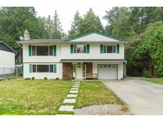 Photo 2: 19781 38A Avenue in Langley: Brookswood Langley House for sale : MLS®# R2499053