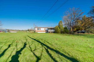Photo 3: 21551 CRUSH Crescent in Langley: Willoughby Heights Manufactured Home for sale : MLS®# R2509851