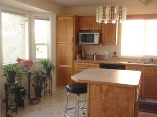 Photo 2: 1634 CARMI AVE in Penticton: Residential Detached for sale (153)  : MLS®# 105814