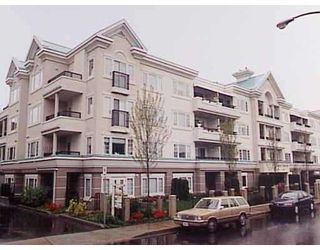"Photo 1: 55 BLACKBERRY Drive in New Westminster: Fraserview NW Condo for sale in ""QUEEN'S PARK"" : MLS®# V639072"