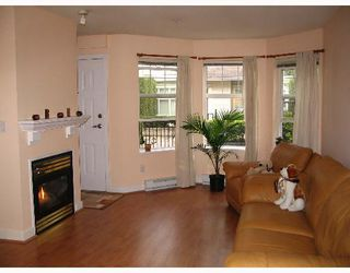 """Photo 2: 209 7038 21ST Avenue in Burnaby: Middlegate BS Townhouse for sale in """"THE ASHBURY"""" (Burnaby South)  : MLS®# V649378"""