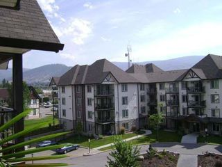 Main Photo: 404 - 256 HASTINGS AVENUE in PENTICTON: Residential Attached for sale : MLS®# 140039