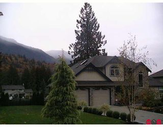 Photo 1: 52632 WOODGROVE Place in Chilliwack: Rosedale Popkum House for sale (Rosedale)  : MLS®# H2801079