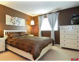 "Photo 6: 2 5839 PANORAMA Drive in Surrey: Sullivan Station Townhouse for sale in ""FOREST GATE"" : MLS®# F2809903"