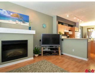 "Photo 3: 2 5839 PANORAMA Drive in Surrey: Sullivan Station Townhouse for sale in ""FOREST GATE"" : MLS®# F2809903"