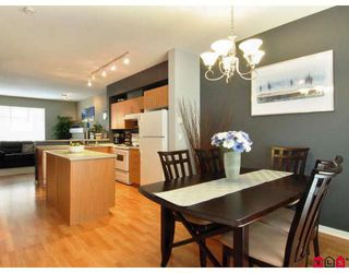 "Photo 2: 2 5839 PANORAMA Drive in Surrey: Sullivan Station Townhouse for sale in ""FOREST GATE"" : MLS®# F2809903"