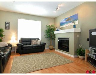 "Photo 4: 2 5839 PANORAMA Drive in Surrey: Sullivan Station Townhouse for sale in ""FOREST GATE"" : MLS®# F2809903"