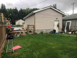 Photo 2: 10141 75 Street in Edmonton: Zone 19 House for sale : MLS®# E4185156
