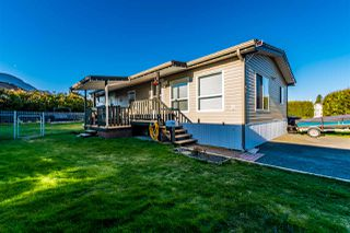 "Main Photo: 92 5742 UNSWORTH Road in Chilliwack: Vedder S Watson-Promontory Manufactured Home for sale in ""Cedar Grove"" (Sardis)  : MLS®# R2445627"