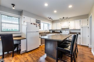 Photo 3: 46484 GILBERT Avenue in Chilliwack: Fairfield Island House for sale : MLS®# R2447592