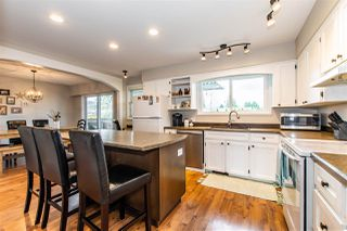 Photo 2: 46484 GILBERT Avenue in Chilliwack: Fairfield Island House for sale : MLS®# R2447592