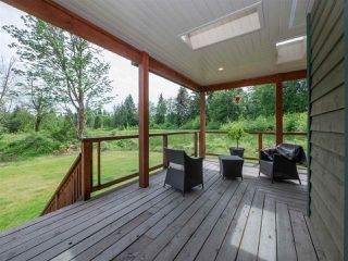 """Photo 2: 1900 PORT MELLON Highway in Gibsons: Gibsons & Area House for sale in """"Williamsons Landing"""" (Sunshine Coast)  : MLS®# R2447913"""