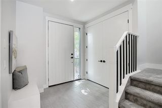 Photo 3: 2433 26A Street SW in Calgary: Killarney/Glengarry Detached for sale : MLS®# C4300669