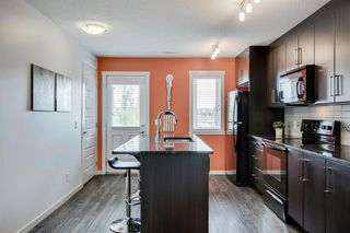Photo 12: 420 MCKENZIE TOWNE Close SE in Calgary: McKenzie Towne Row/Townhouse for sale : MLS®# A1015085