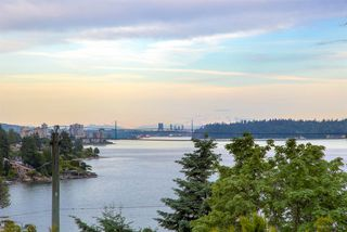 """Photo 12: 3528 CREERY Avenue in West Vancouver: West Bay House for sale in """"West Bay Catchment"""" : MLS®# R2485202"""
