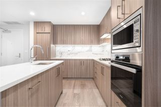 """Photo 3: 302 528 W KING EDWARD Avenue in Vancouver: South Cambie Condo for sale in """"CAMBIE & KING EDWARD"""" (Vancouver West)  : MLS®# R2527649"""