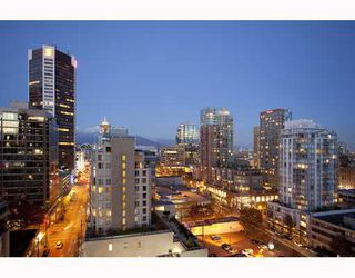 "Photo 1: 1705 565 SMITHE Street in Vancouver: Downtown VW Condo for sale in ""VITA"" (Vancouver West)  : MLS®# V794990"