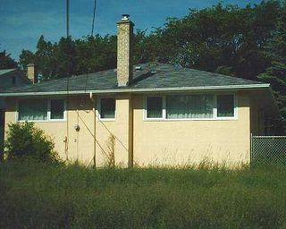 Photo 7: 748 OAK Street in Winnipeg: River Heights / Tuxedo / Linden Woods Single Family Detached for sale (South Winnipeg)  : MLS®# 2509883