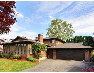 Photo 1: 19860 49TH Avenue in Langley: Langley City House for sale : MLS®# F2715046