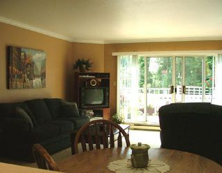 "Photo 7: 17 699 DOUGALL Road in Gibsons: Gibsons & Area Townhouse for sale in ""MARINA PLACE"" (Sunshine Coast)  : MLS®# V659342"