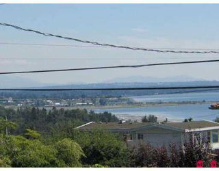 Photo 5: 15731 BUENA VISTA Avenue in White_Rock: White Rock House for sale (South Surrey White Rock)  : MLS®# F2718846