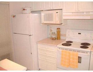 "Photo 4: 12 7488 SALISBURY AV in Burnaby: Middlegate BS Townhouse for sale in ""WINSTON GARDENS"" (Burnaby South)  : MLS®# V541309"
