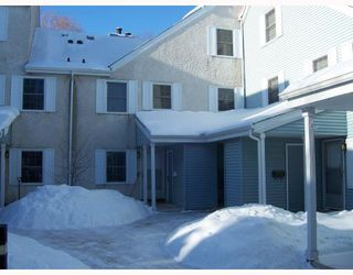 Photo 1: 111 638 kenaston Boulevard in WINNIPEG: River Heights / Tuxedo / Linden Woods Condominium for sale (South Winnipeg)  : MLS®# 2800444