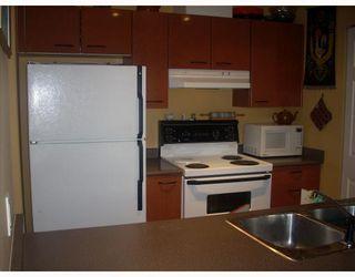 "Photo 6: 401 1688 E 8TH Avenue in Vancouver: Grandview VE Condo for sale in ""LA RESIDENZA"" (Vancouver East)  : MLS®# V698942"