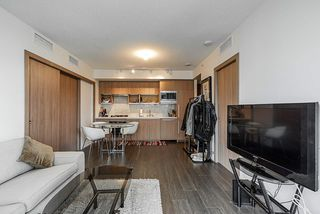 Photo 6: 1018 68 SMITHE Street in Vancouver: Downtown VW Condo for sale (Vancouver West)  : MLS®# R2391666