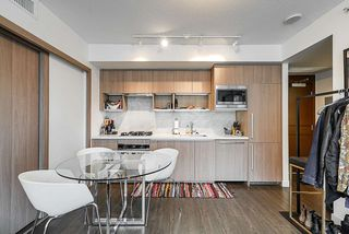 Photo 7: 1018 68 SMITHE Street in Vancouver: Downtown VW Condo for sale (Vancouver West)  : MLS®# R2391666