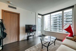 Photo 11: 1018 68 SMITHE Street in Vancouver: Downtown VW Condo for sale (Vancouver West)  : MLS®# R2391666