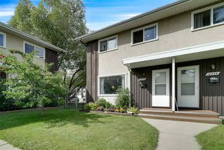 Photo 3: 10446 55 Avenue in Edmonton: Zone 15 Townhouse for sale : MLS®# E4168751