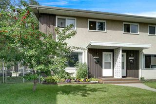 Photo 2: 10446 55 Avenue in Edmonton: Zone 15 Townhouse for sale : MLS®# E4168751