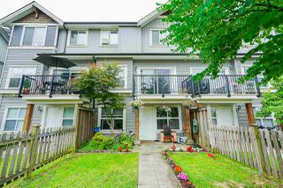 "Photo 1: 70 12677 63 Avenue in Surrey: Panorama Ridge Townhouse for sale in ""SUNDRIDGE ESTATES"" : MLS®# R2396644"