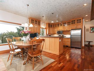 Photo 9: 922 Latoria Rd in VICTORIA: La Olympic View Single Family Detached for sale (Langford)  : MLS®# 823332