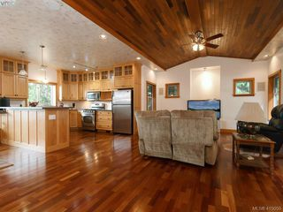 Photo 5: 922 Latoria Rd in VICTORIA: La Olympic View House for sale (Langford)  : MLS®# 823332