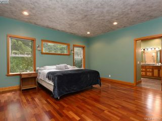 Photo 11: 922 Latoria Rd in VICTORIA: La Olympic View Single Family Detached for sale (Langford)  : MLS®# 823332