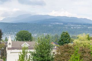 Photo 3: 220 MOODY Street in Port Moody: Port Moody Centre House for sale : MLS®# R2404679