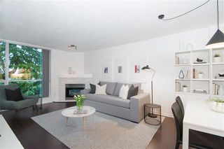 Photo 1: : Condo for sale : MLS®# r2405021