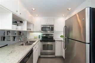 Photo 4: : Condo for sale : MLS®# r2405021