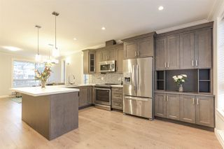 """Photo 5: 11 16127 87 Avenue in Surrey: Fleetwood Tynehead Townhouse for sale in """"ACADEMY"""" : MLS®# R2425699"""
