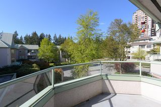 "Photo 9: 415 6735 STATION HILL Court in Burnaby: South Slope Condo for sale in ""COURTYARDS"" (Burnaby South)  : MLS®# R2450864"