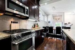 Photo 9: 1031 16A Street NE in Calgary: Mayland Heights Semi Detached for sale : MLS®# C4300132