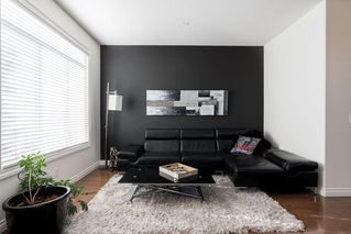 Photo 11: 1031 16A Street NE in Calgary: Mayland Heights Semi Detached for sale : MLS®# C4300132