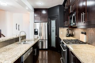 Photo 8: 1031 16A Street NE in Calgary: Mayland Heights Semi Detached for sale : MLS®# C4300132