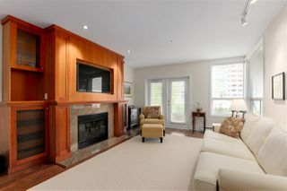 """Photo 3: 103 2202 MARINE Drive in West Vancouver: Dundarave Condo for sale in """"Stratford Court"""" : MLS®# R2465972"""