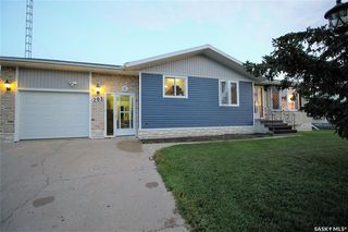 Photo 33: 205 River Heights Drive in Langenburg: Residential for sale : MLS®# SK819789