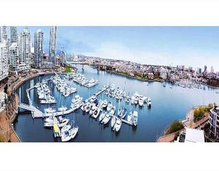 """Photo 1: 1202 1228 MARINASIDE Crescent in Vancouver: False Creek North Condo for sale in """"CRESTMARK II"""" (Vancouver West)  : MLS®# V649962"""