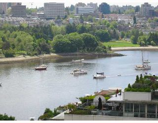"""Photo 3: 1202 1228 MARINASIDE Crescent in Vancouver: False Creek North Condo for sale in """"CRESTMARK II"""" (Vancouver West)  : MLS®# V649962"""