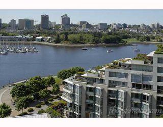 """Photo 4: 1202 1228 MARINASIDE Crescent in Vancouver: False Creek North Condo for sale in """"CRESTMARK II"""" (Vancouver West)  : MLS®# V649962"""